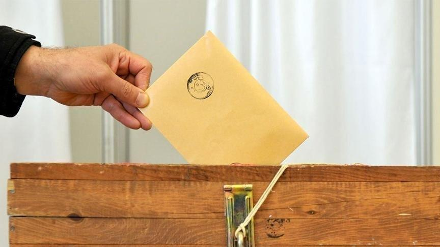 Turkey local elections: Voters go to polls in key municipal vote
