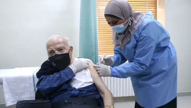 Turkey starts vaccination for people aged 65