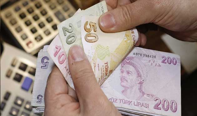 Turkish lira hits 3-week high against US dollar