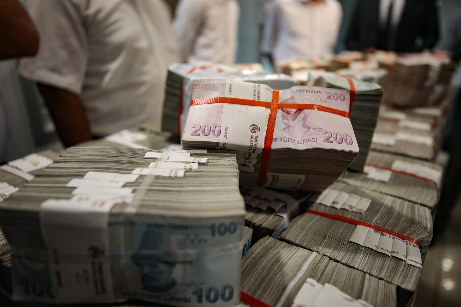 Turkish Treasury borrows $830.5M through auctions