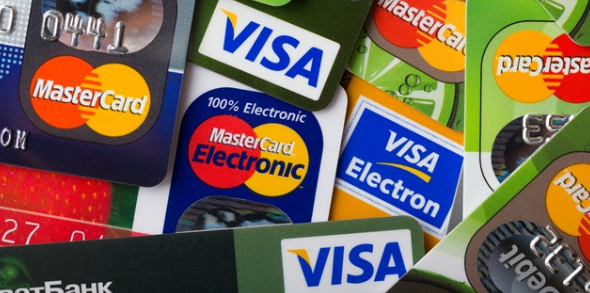 Turks load their credit cards during Bayram holiday