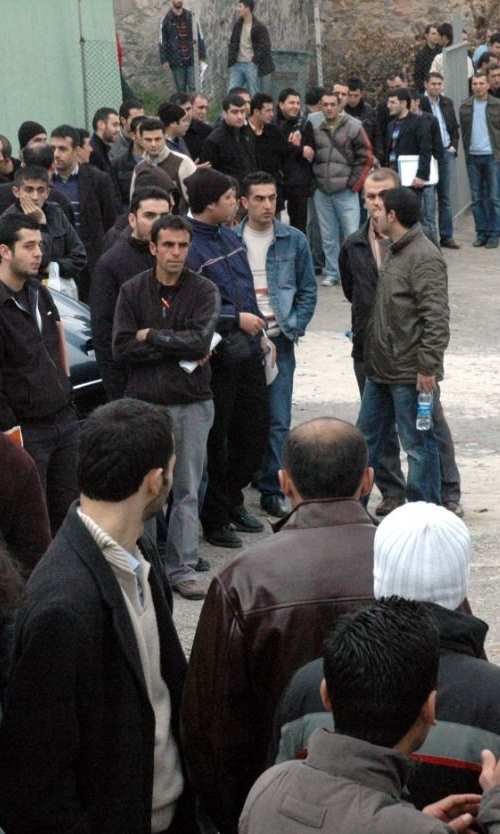 University graduates experience major disappointments in Turkey