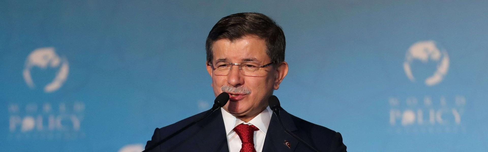 Viewers sceptical as Davutoğlu becomes latest AKP politician to prevent suicide attempt